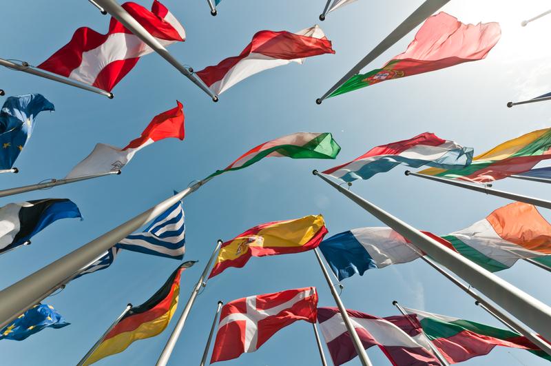 Flaggen der EU Länder